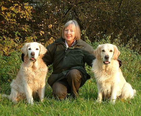 Karin mit Brenda und Elwood